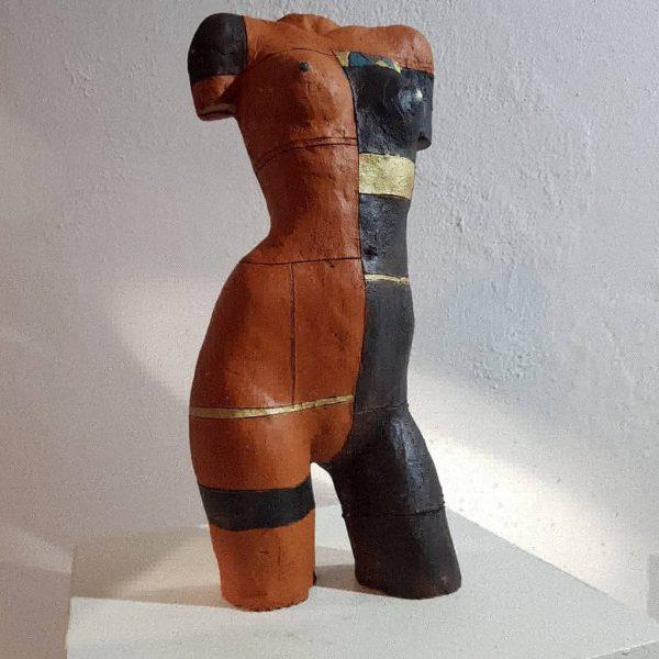 """Fank Linke: """"Inka 1"""", 2020, gebrannter Ton patiniert, Gewicht: 1,5 kg, 320 €"""