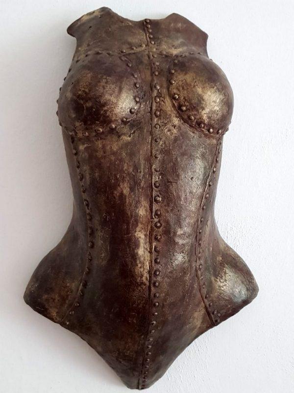 """Frank Linke: """"Jeanne D'arc"""", 2018, Wandskulptur, Abguss Resin patiniert, 52x30 cm, Gewicht 0,5 kg, 290 €"""