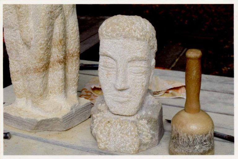 Frank Hartung, Skulptur o. T., Speckstein, Atelier