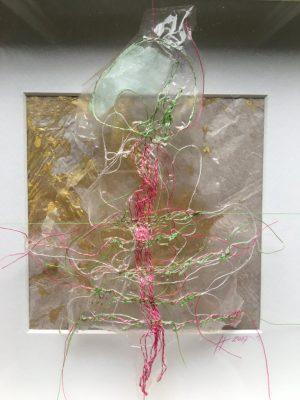"""Sabine Schuldt """"Gliederung"""", 2018, Schwebedarium, Textilinstallation, 50x50 cm, 195 Euro"""