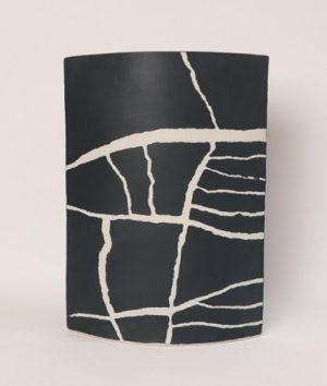 "Juliane Herden, ""apparent order"", 2020, Porzellan, 25,5x36 cm, 250 € inkl. Mwst."